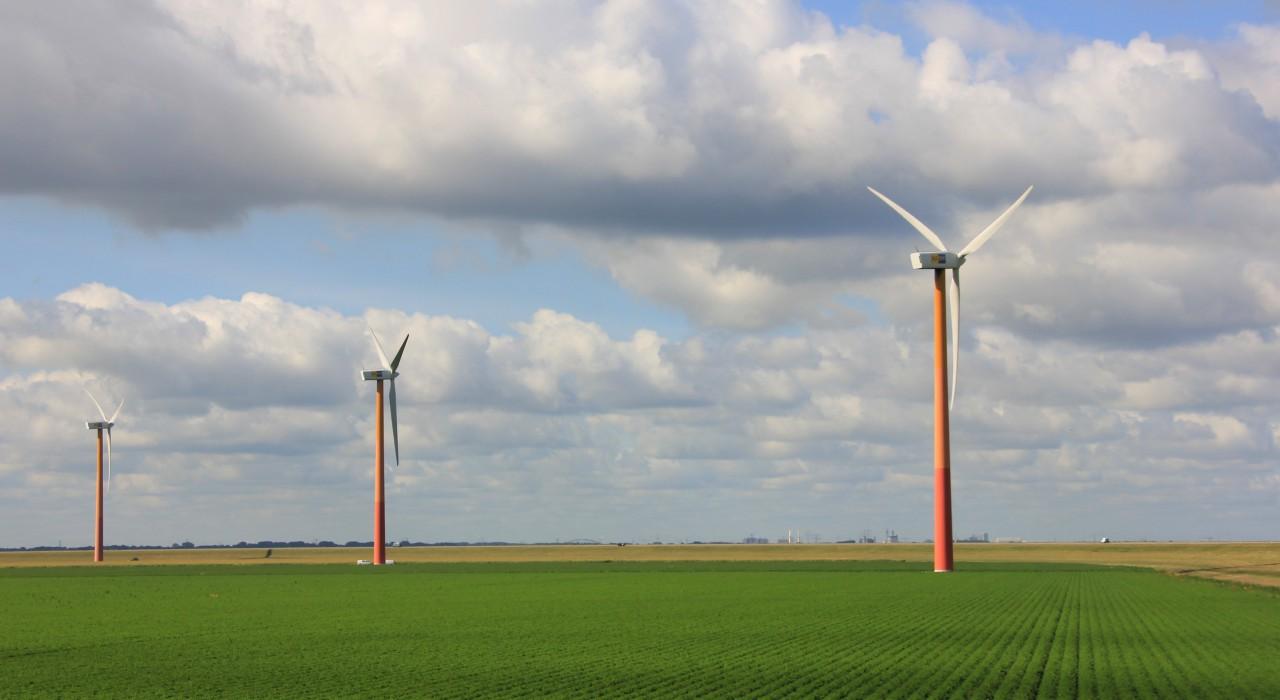 110919-003_almere_polderlandschap_met_windmolens_0.jpg