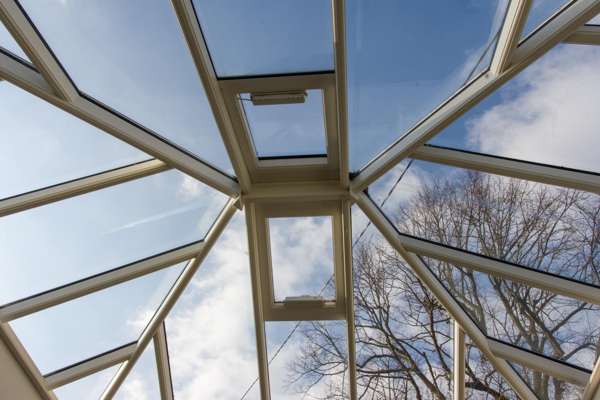 7725- March 09 -Ceiling.jpg