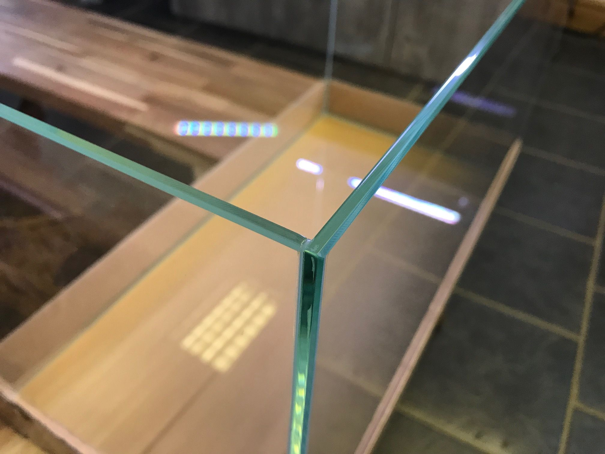 hite-36-by-ag-glass-aquarium-36x22x26cm-[3]-3387-p.jpg